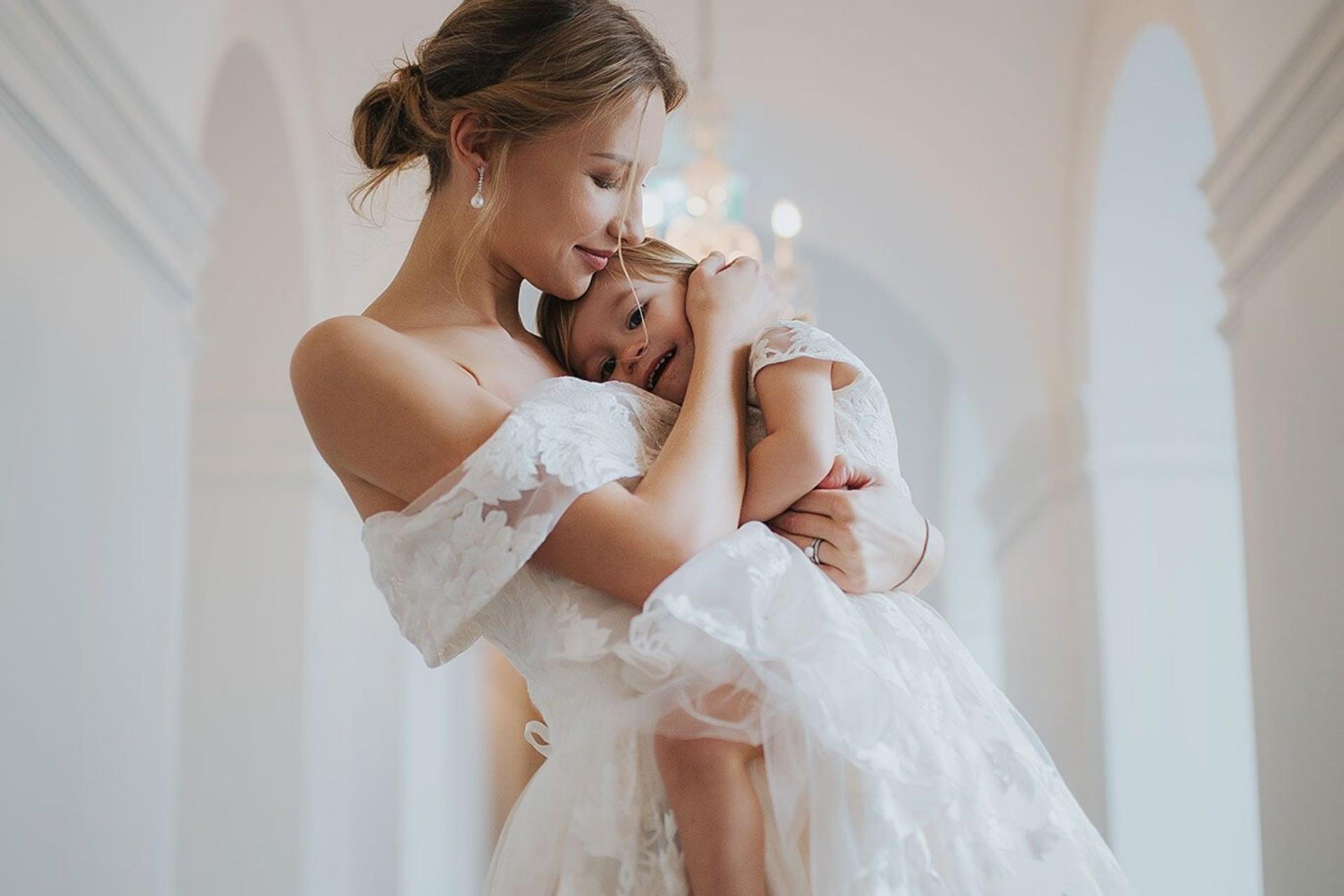 Children in wedding ceremony