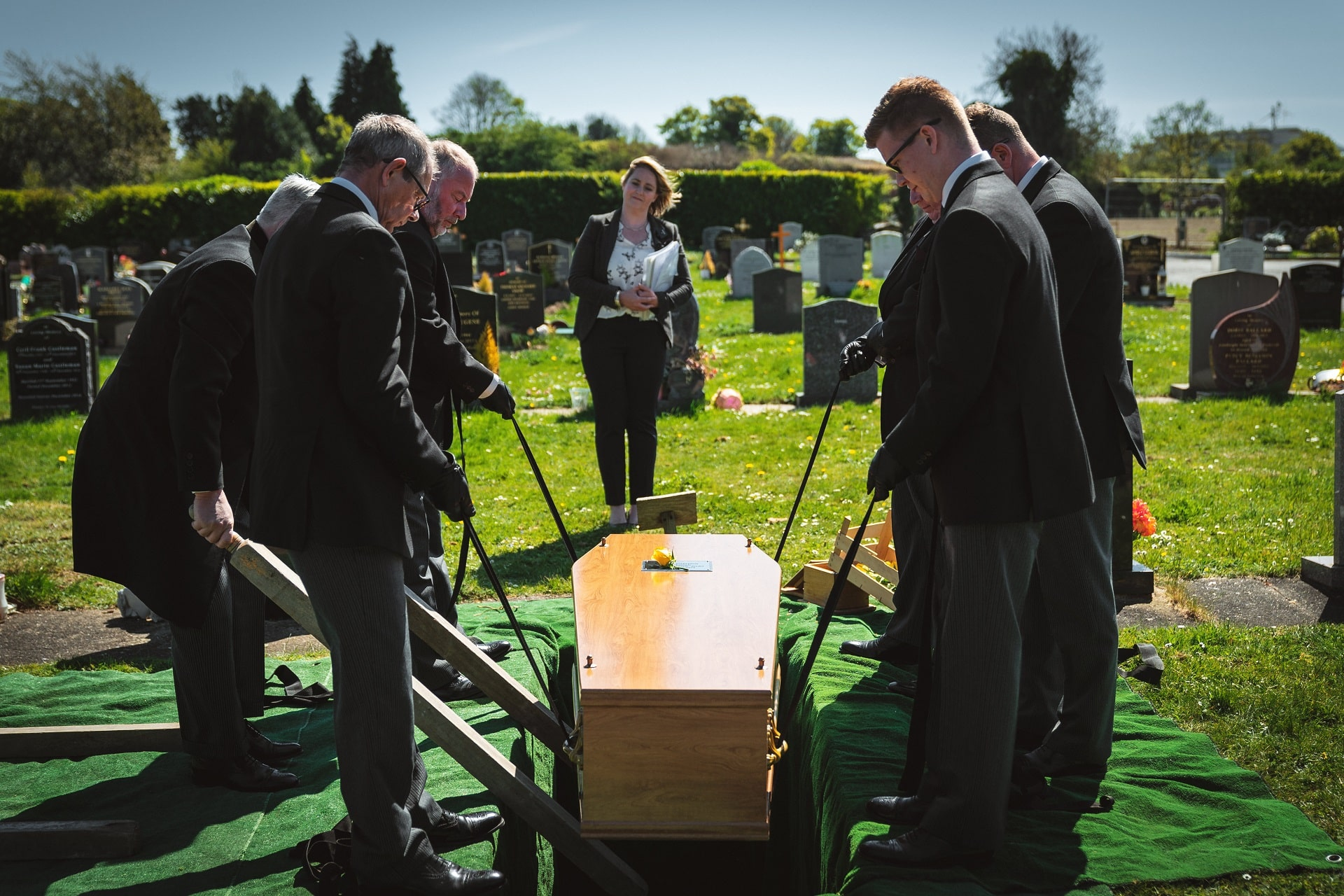 What happens at a Celebrant-led funeral? - The Celebrant Directory