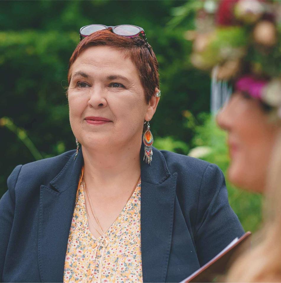 Elizabeth Anne Celebrant south wales castle wedding