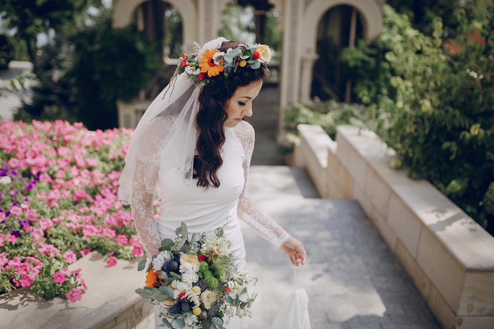 Why include crowns in your Greek destination wedding?