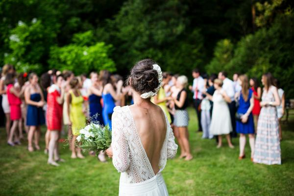 How keep your wedding within budget