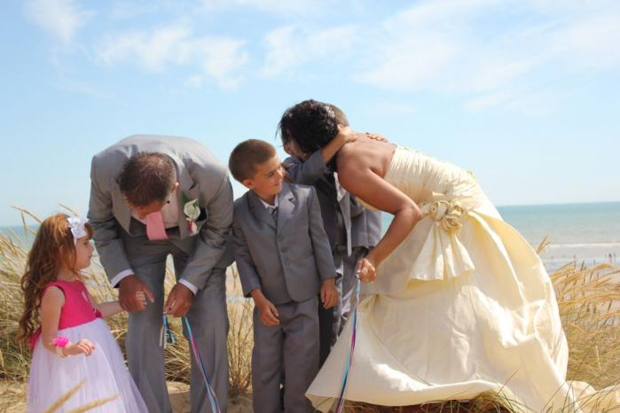 a387ba852 How to have a perfect wedding kiss