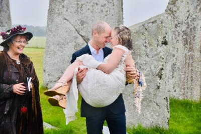 Stonehenge Handfasting 07.06.2019 Jessica and Philip 8 www.cloud9ceremonies.co