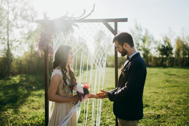 Planning your wedding ceremony arch