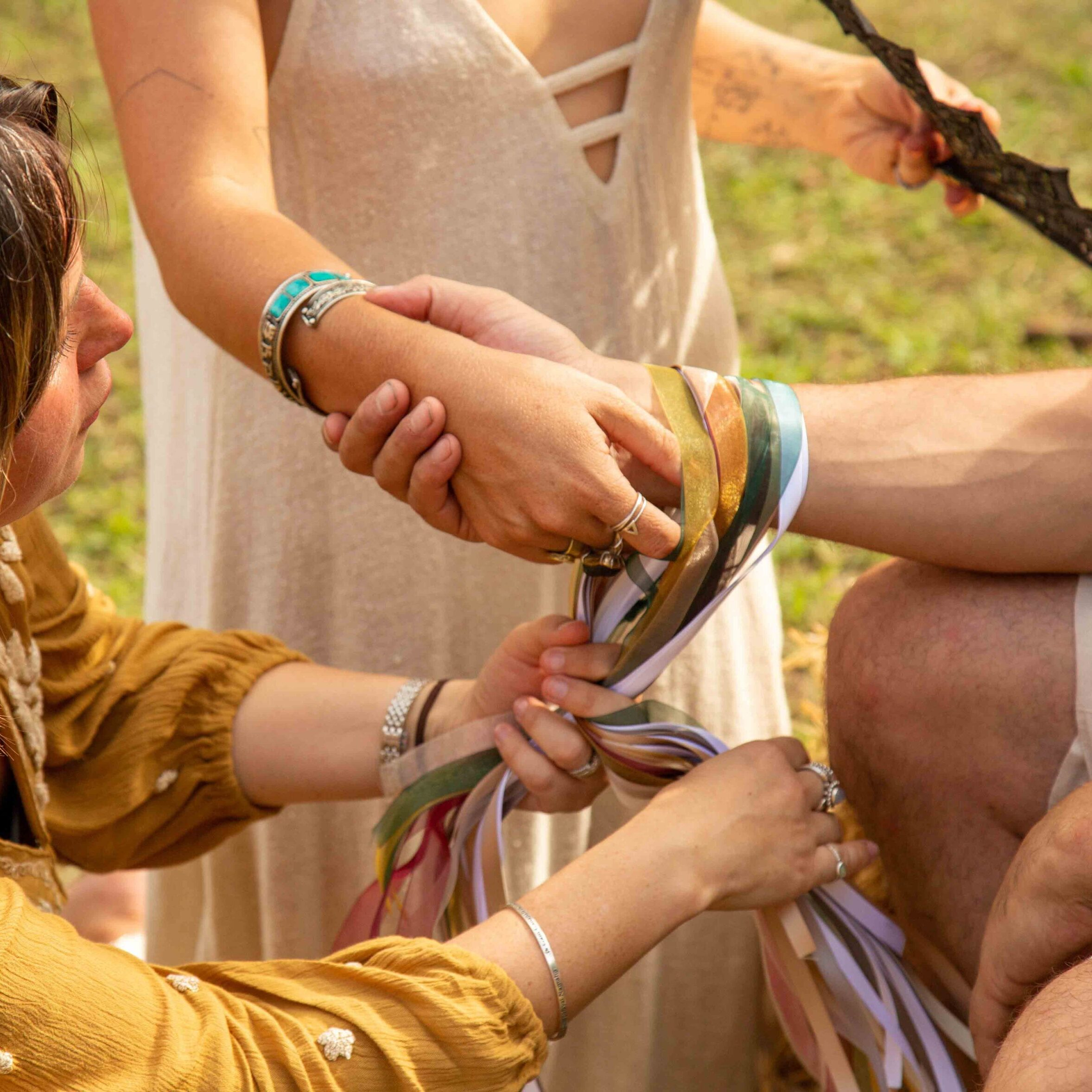 The-Celebrant-Directory-image_handfasting