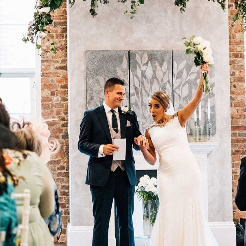 What happens during a celebrant led wedd