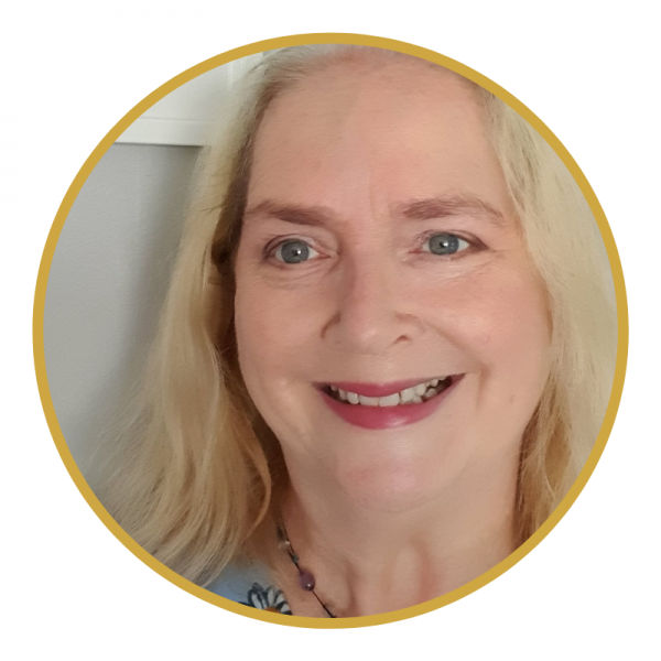 Featured Celebrant: Dee Dunphy